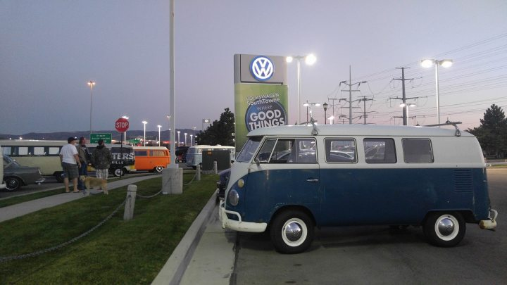 vw-utah-bus-sunset-southtowne